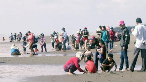 Du lịch biển Cồn Bửng